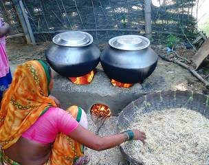 "Test ""PRO-POOR"" Self-Help Approach to Improve Local Mud Stoves in Terai"